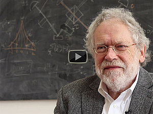 Video: 10 Fragen an Anton Zeilinger - RTEmagicC_Zeilinger_Video_Play.jpg